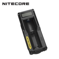 Chargeur USB UM10 Nitecore Li-ion, IMR, Ni-MH et Ni-CD